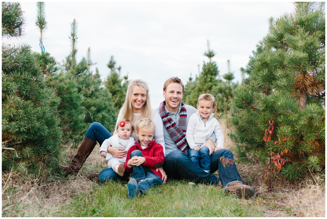 Christmas Tree Farm Photography.Christmas Tree Farm Chicago Family Photography Blossom